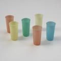 Tupperware pastel bekers